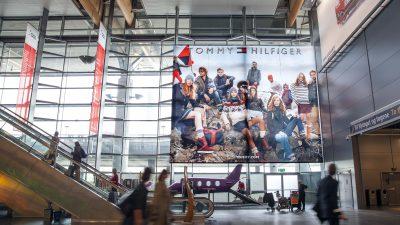 mega-banner-glass-wall.jpg