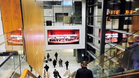 bergen-digital-big-screen-domestic-arrival-escalator.jpg